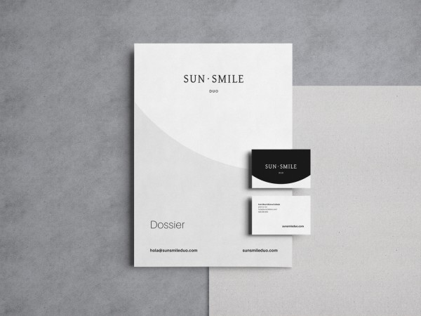 SunSmile papelería identidad corporativa tarjetas